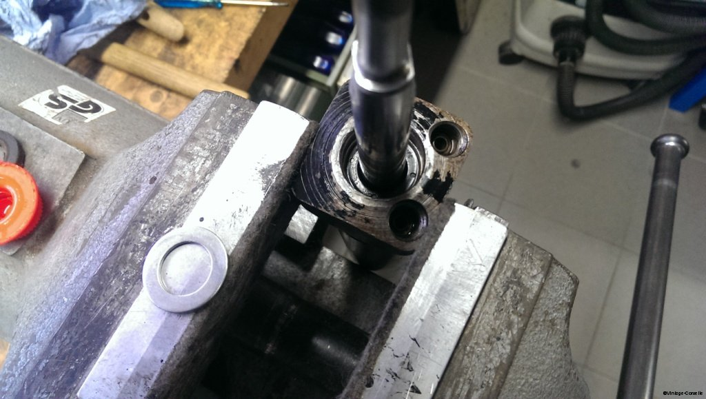 power_steering_cylinder_rebuild_7
