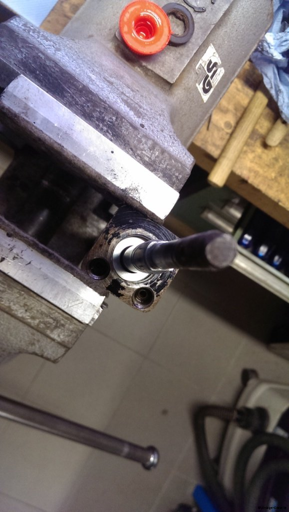 power_steering_cylinder_rebuild_8